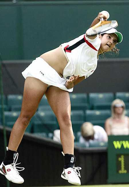 Sania Mirza Playing Photo