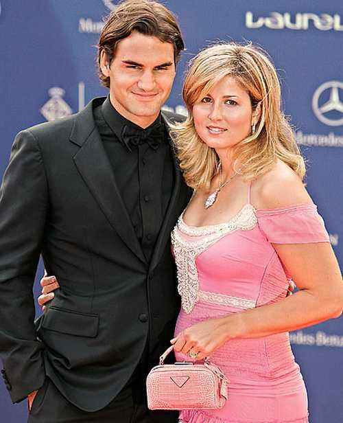 Simonici Tennis Star Roger Federer and Wife Photo