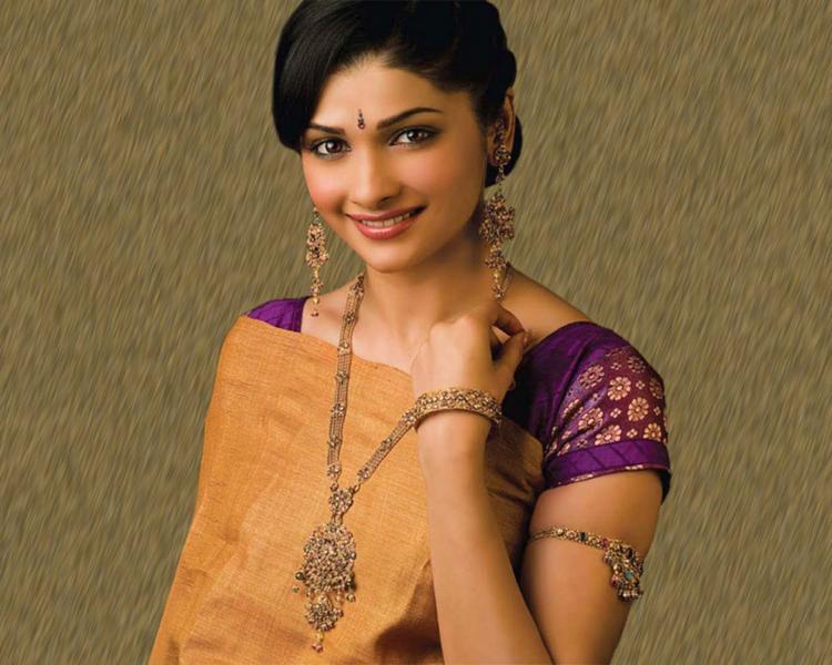 Prachi Desai Beauty Smile Pic Wallpaper