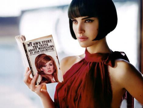 Natalie Portman Hair Style with Book Images
