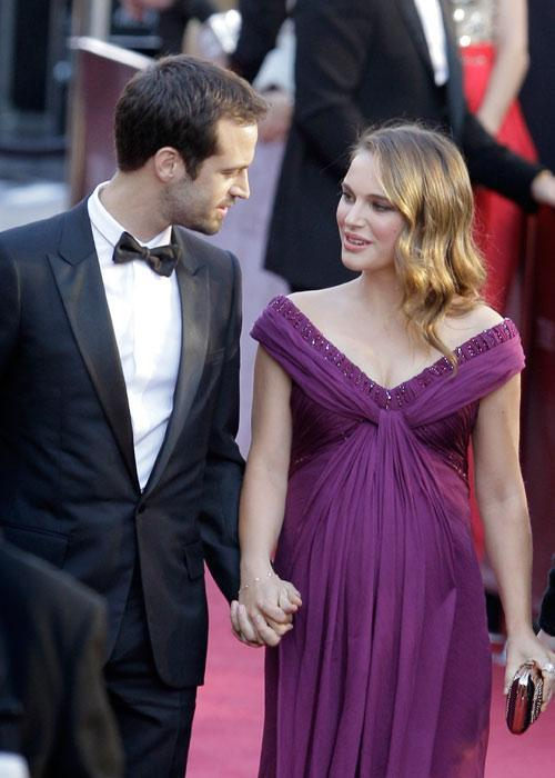 Natalie Portman Violet Color Gown Still