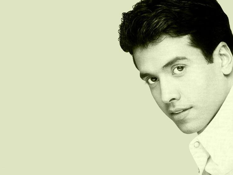 Tusshar Kapoor Cool Look wallpaper