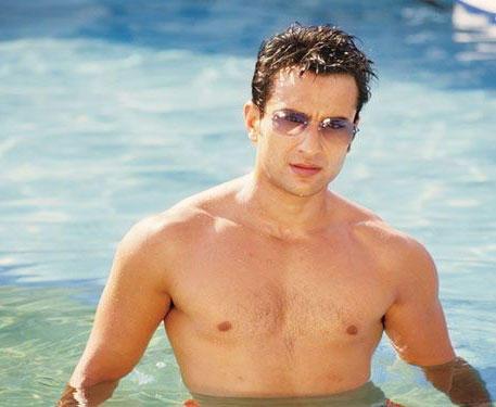 Saif Ali Khan Sexy Figure in Water