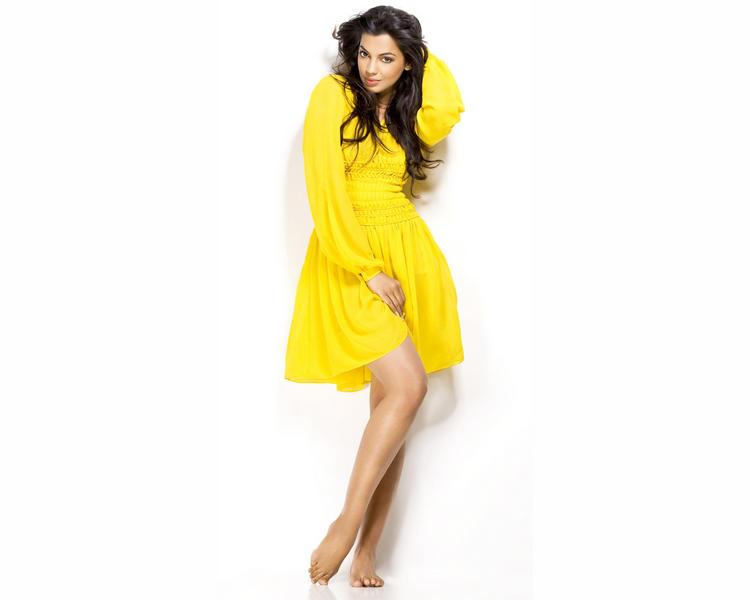 Mugdha Godse Yellow Dress Wallapper