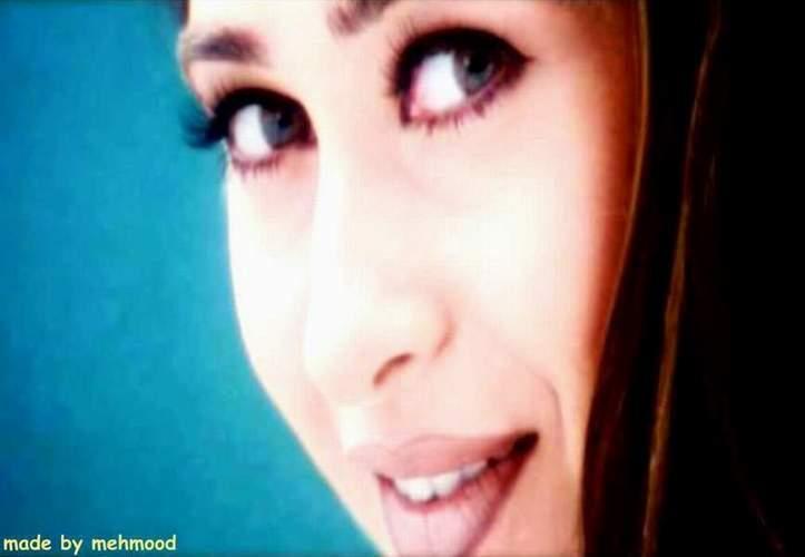 Karishma Kapoor Romantic Face Look Wallpaper