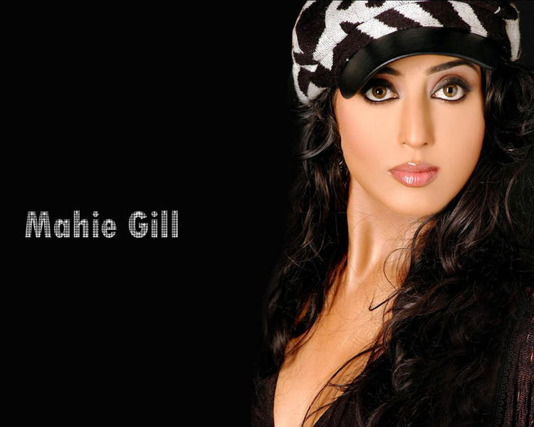 Mahie Gill Hot Eyes and Lips Wallapper
