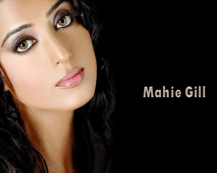 Mahie Gill Glazing Eyes Wallpaper