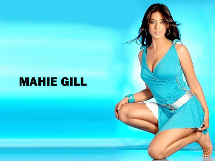 Mahie Gill Hot Boob Show Wallpaper