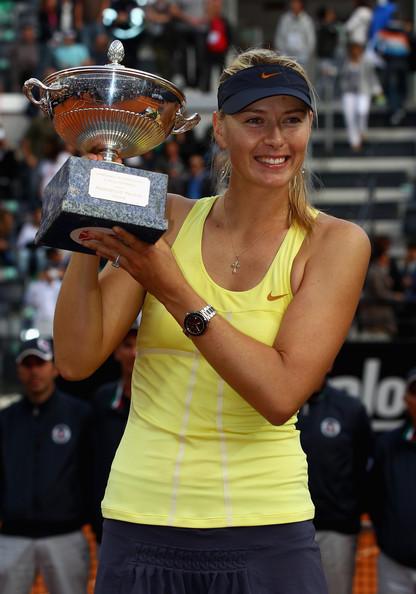 Maria Sharapova with Trophy Beauty Still