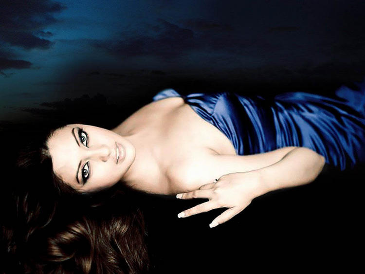 Sexy Riya Sen Looking Hot