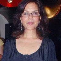 Beauty Queen Zeenat Aman Cute Still