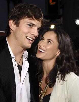 Demi Moore and Ashton Kutcher Beauty Smile Pic