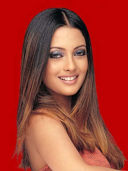 Riya Sen with sweet smile
