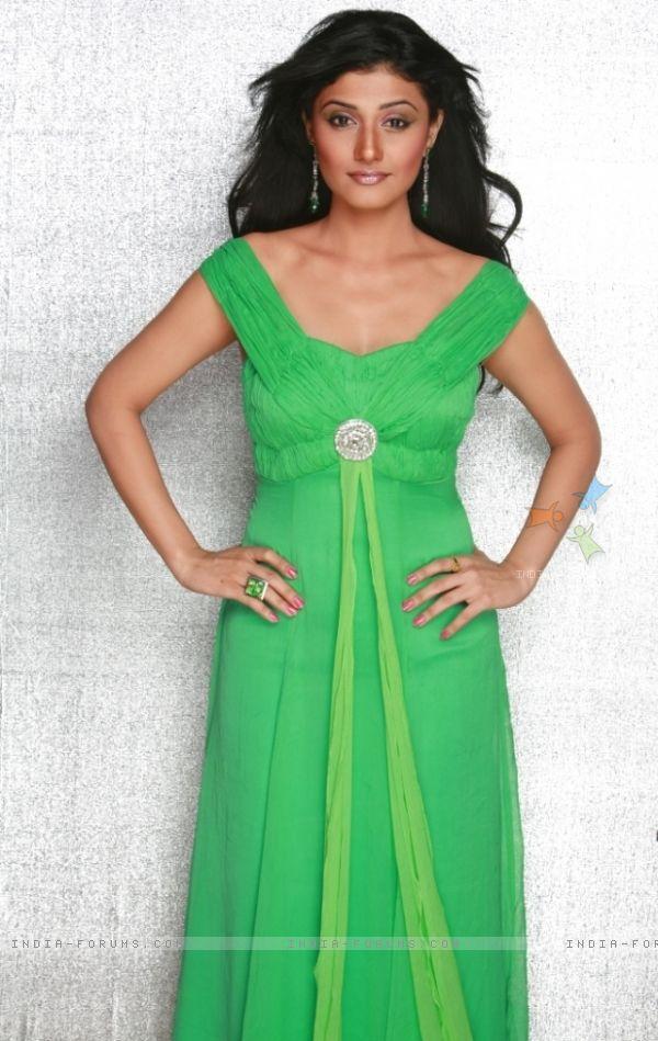 Ragini Khanna looking hot