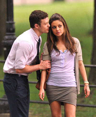 Friends with Benefits Movie Justin Timberlake and Mila Kunis Kiss Still