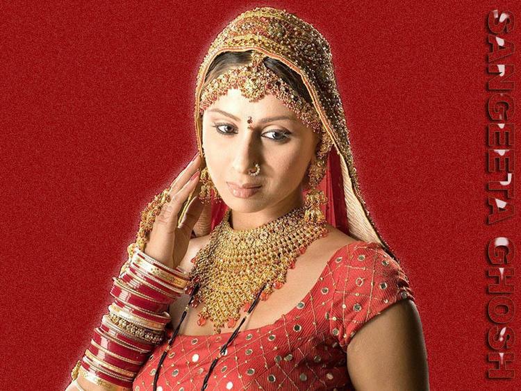 Sangeeta Ghosh looking beautiful in Saree