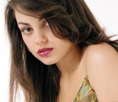 Mila kunis Beauty Awesome Still