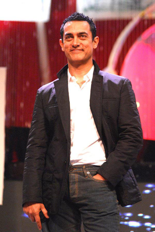 Aamir Khan Gorgeous Smile Pic