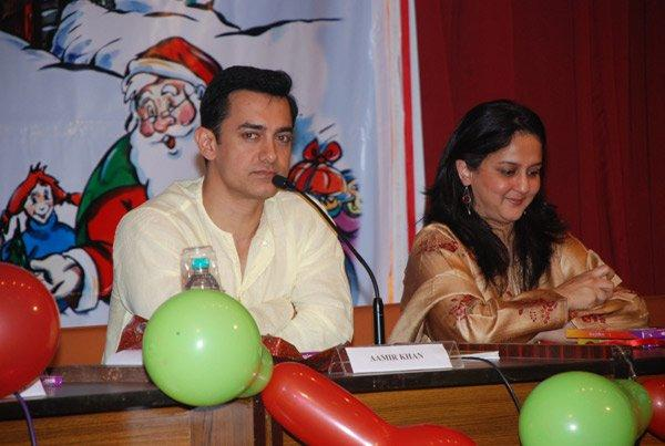 Aamir Khan Press Meet Still