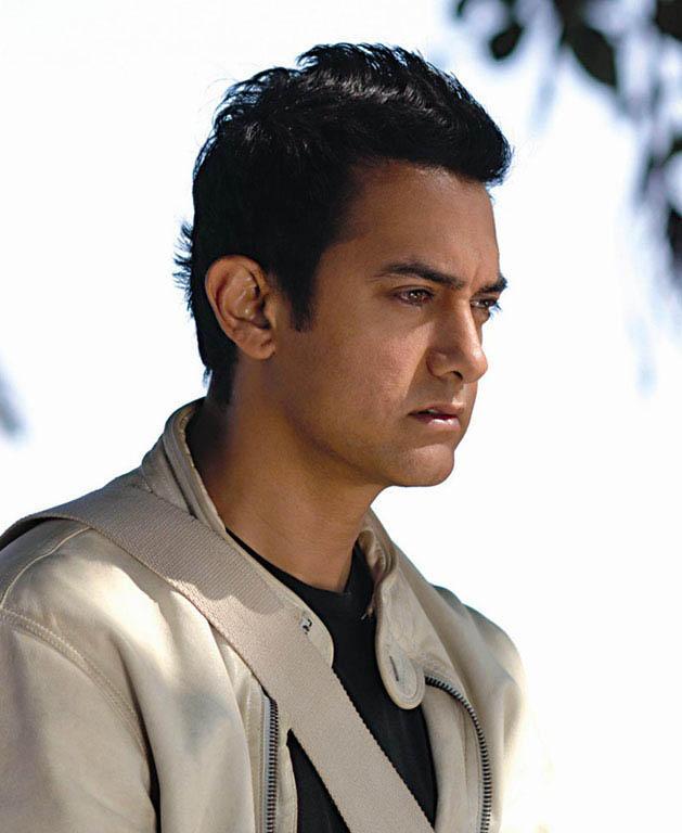 Aamir Khan Side Face Still