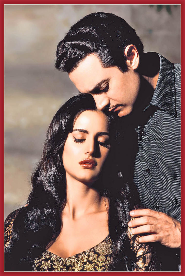 Katrina Kaif with Aamir Khan Still