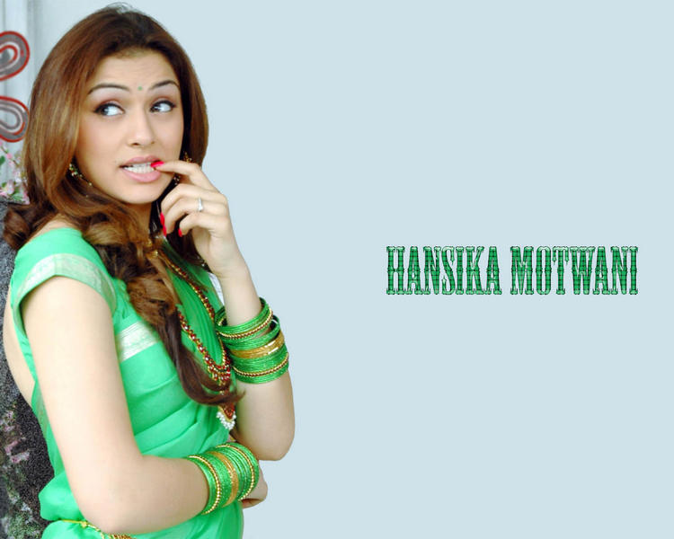 Hansika Motwani cute look wallpaper