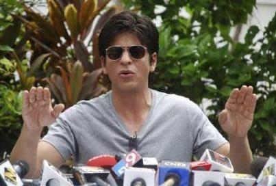 Shah Rukh Khan Press Meet Still