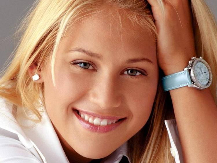 Anna Kournikova Sweet Smile Face Wallpaper