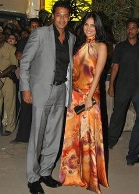 Mahesh Bhupathi and Lara Dutta Smile Face Still