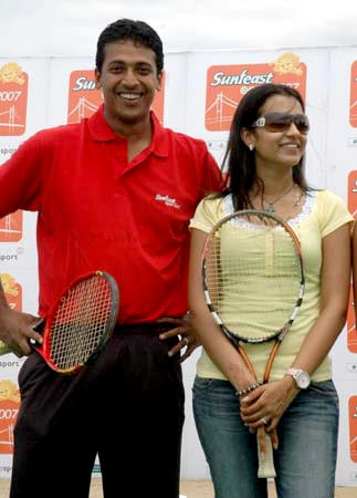 Mahesh Bhupathi Red T Shirt Still
