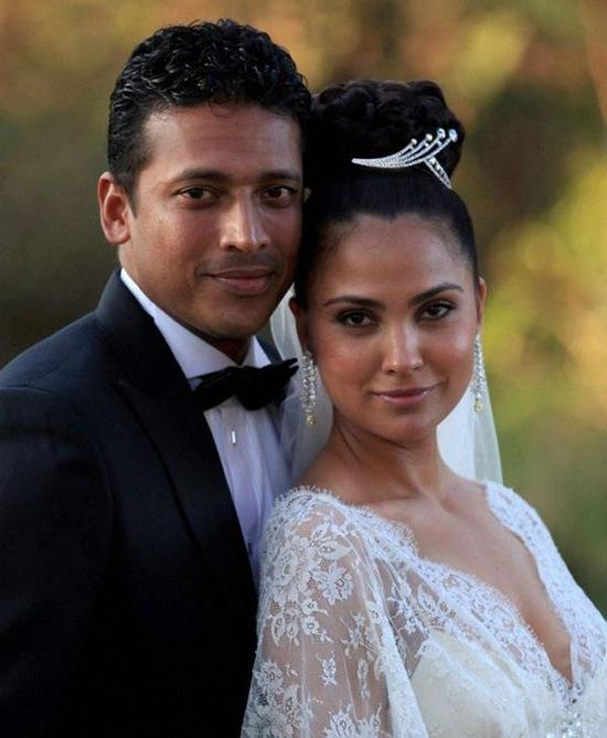 Lara Dutta and Mahesh Bhupathi Catholic Style Marriage Photo
