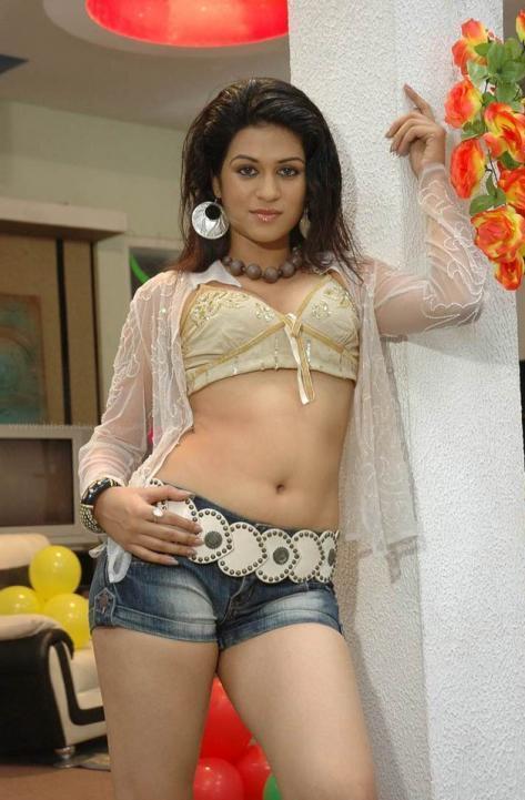 Shraddha Das Mini Dress Hot Navel Pose Photo