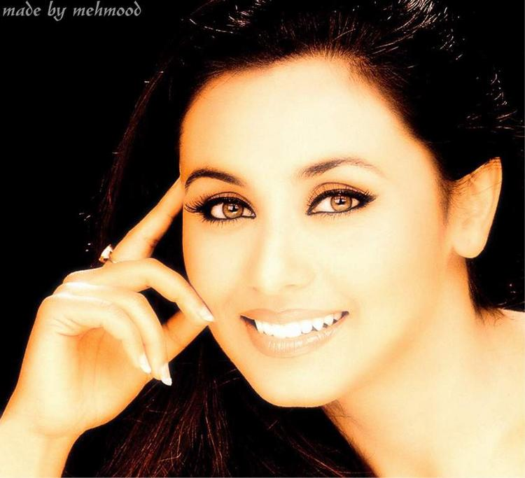 Rani Mukherjee beautiful pose
