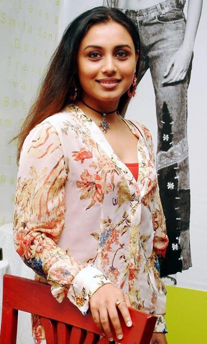 Rani Mukherjee with sweet smile