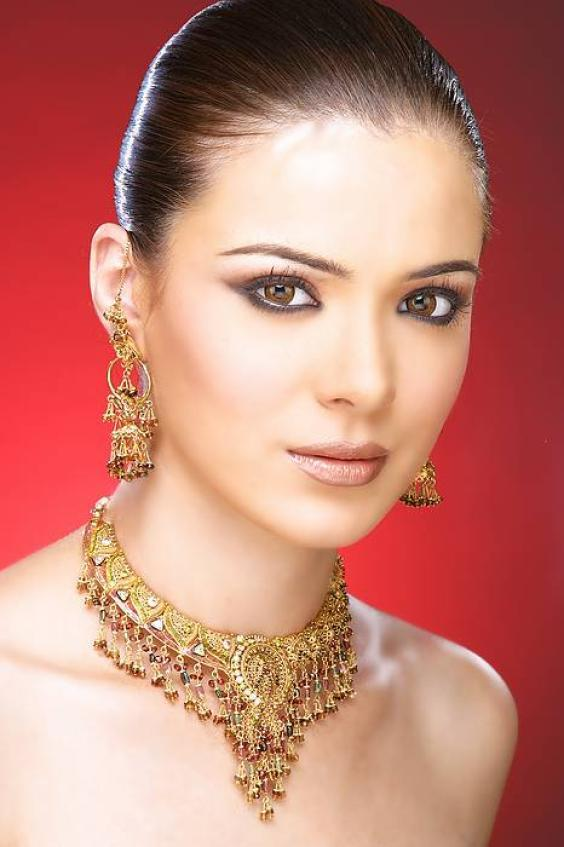 Urvashi Sharma Amazing Face Wallpaper