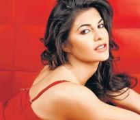 Jacqueline Fernandez Red Hot Wallpaper