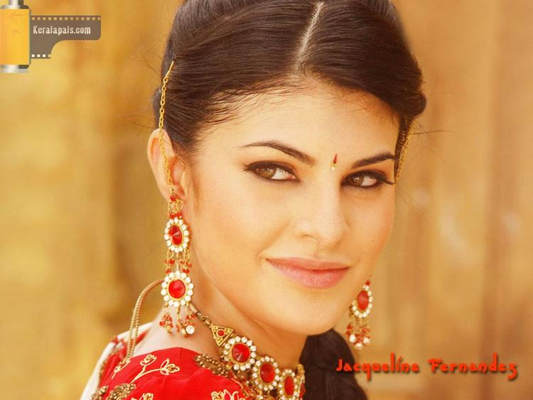 Jacqueline Fernandez Indian Look Wallpaper