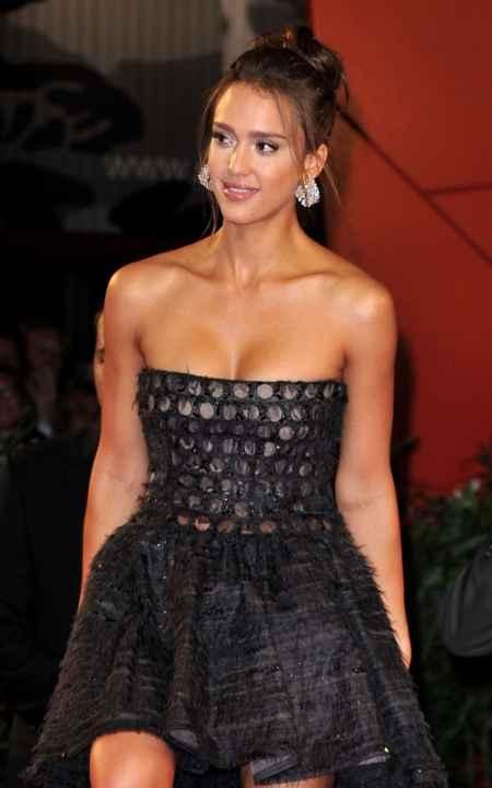 Jessica Alba Open Boob Glamour Still