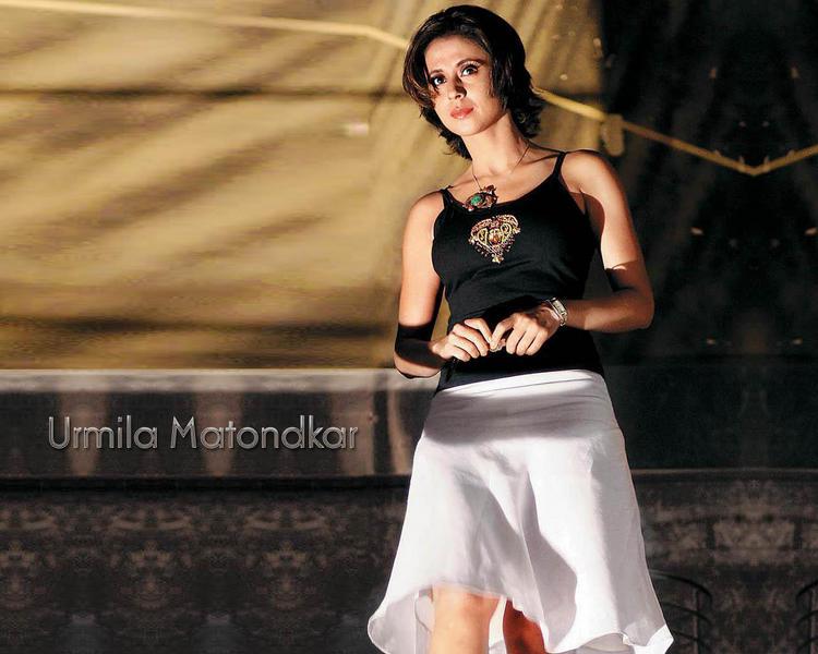 Item Girl Urmila Matondkar Images