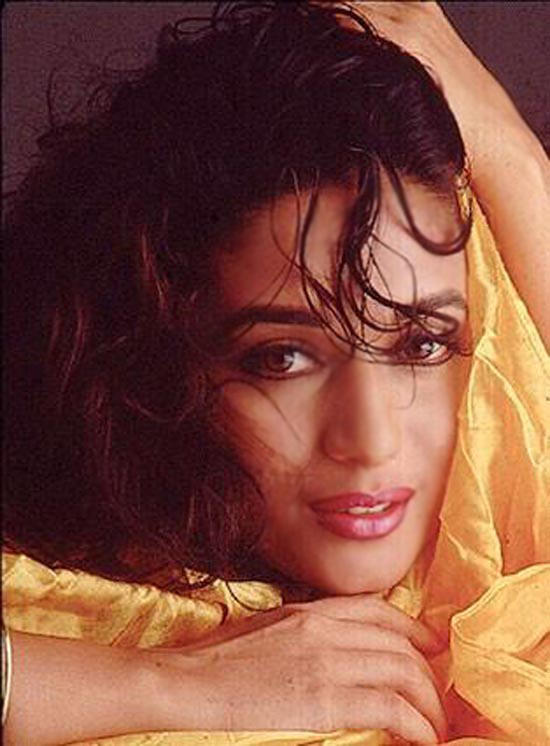 Madhuri Dixit Hot Face Still