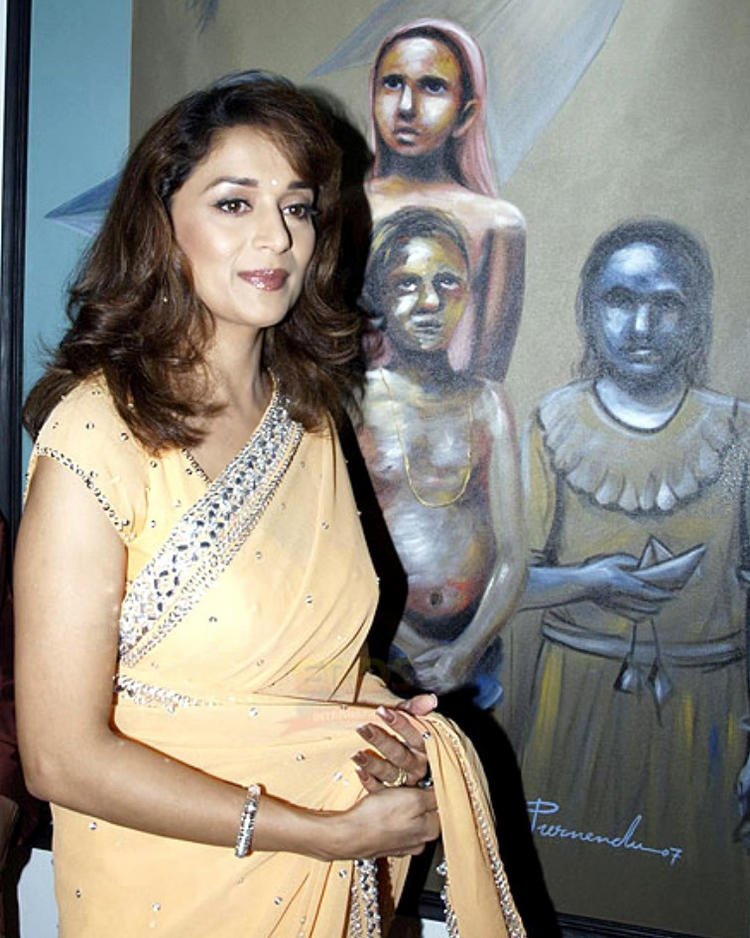 Bollywood Queen Madhuri Dixit Images