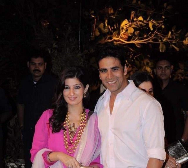 Akshay with Wife at Imran Khan and Avantika Wedding