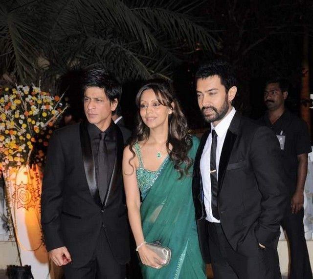 Shahrukh and Gouri at Imran Khan and Avantika Wedding