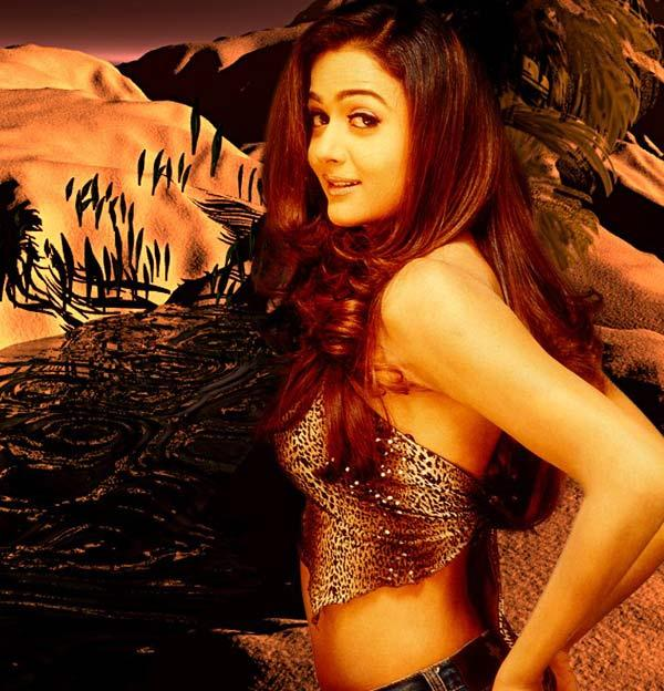 Amrita Arora hot wallpaper