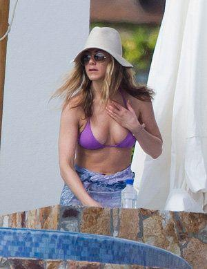Jennifer Aniston Very Open Boob Photo