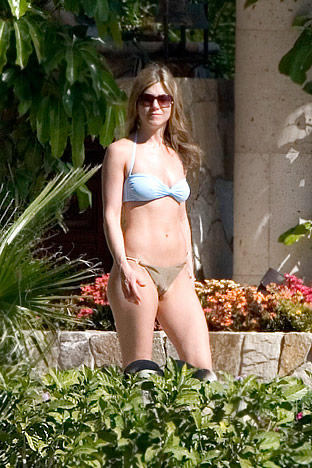 Jennifer Aniston in Bikini