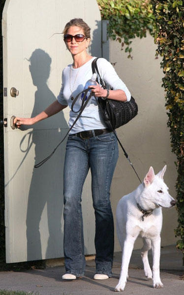 Jennifer Aniston With Dog Stunning Photo