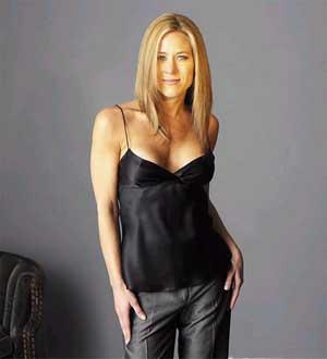 Jennifer Aniston Spicy Pose Wallpaper
