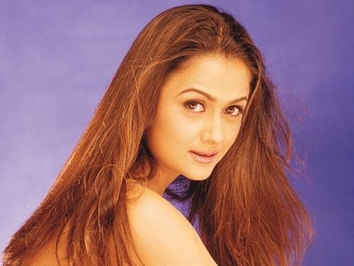 Amrita Arora Cool Look wallpaper