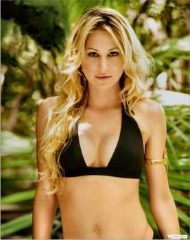 Anna Kournikova Hot Bikini Wallpaper
